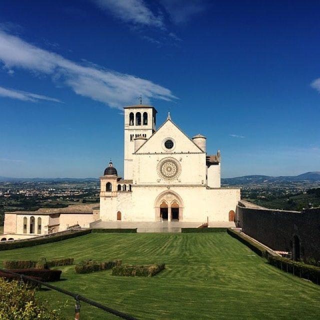 Lanciatevi nel meraviglioso spazio dell'Umbria con il festival di Universo Assisi 2019!